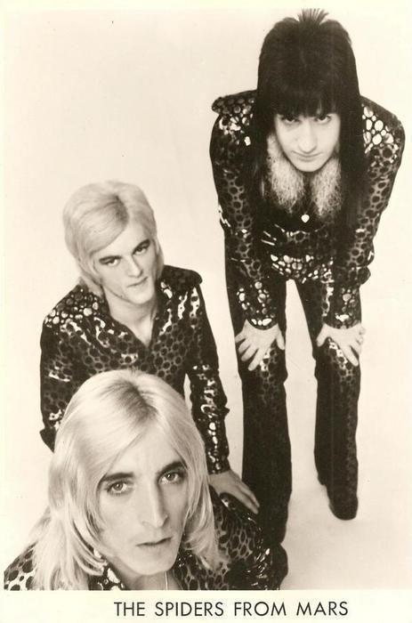 Mick Woody Woodmansey, Trevor Bolder, Mick Ronson, photo Leee Black Childers 1972.