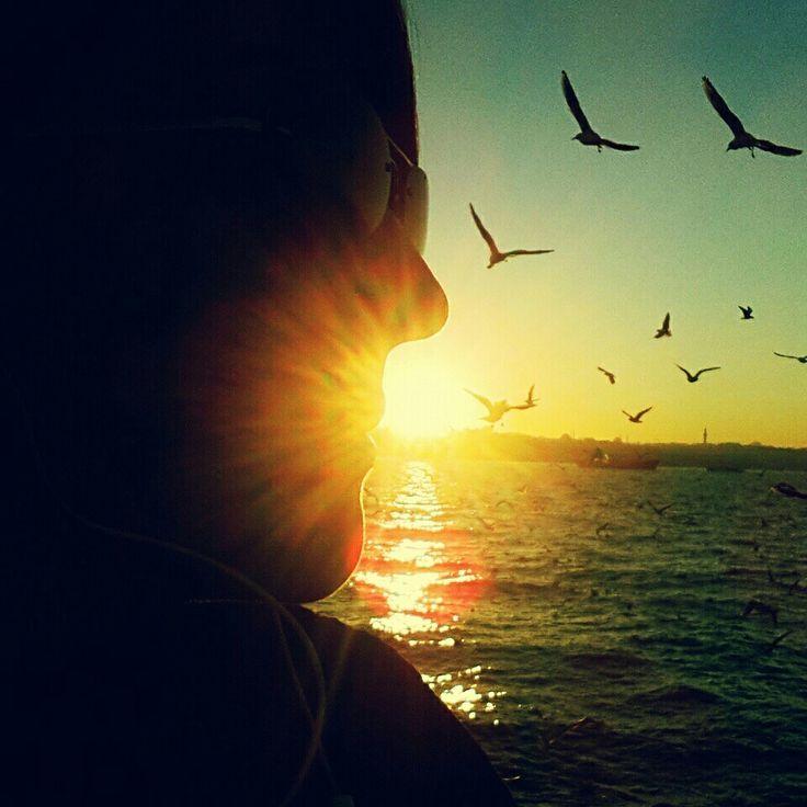 Üsküdar,İSTANBUL.. #kiss #sunset #seagulls #bosphorus