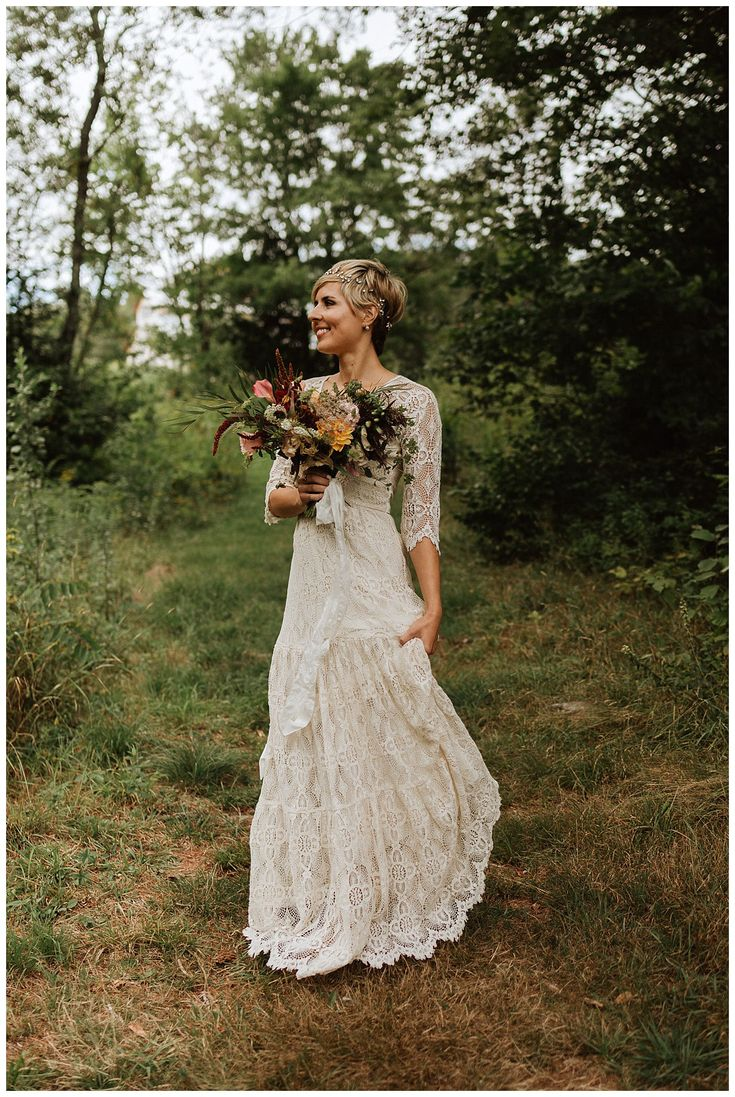 Boho Mountain Style Bridal Portraits in VT   Photo by Sara Fitz Co
