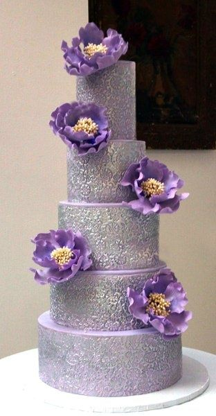 Purple & Silver: Flower Cakes, Lavender Lilacs, Lavender Wedding, Eating Cakes, Wedding Plans Ideas, Purple Cakes, Fondant Flower, Purple Wedding Cakes, Purple Flower