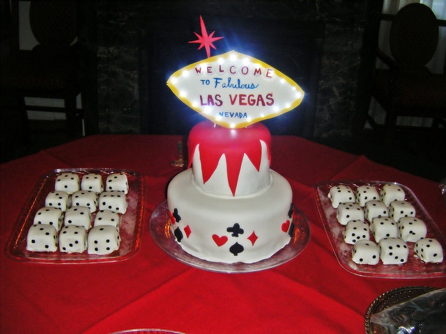 Las Vegas Themed Wedding Cake With Mini Dice Cupcakes
