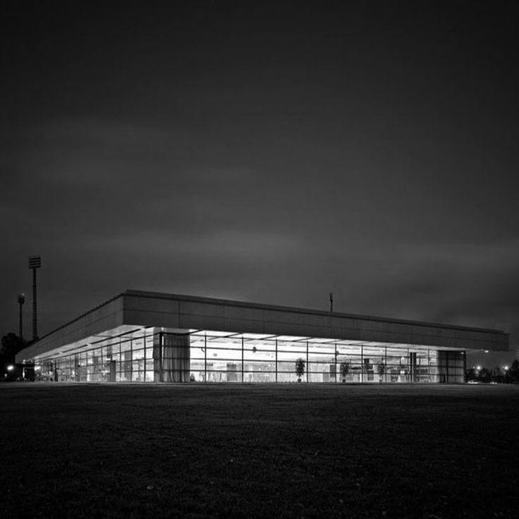 arne jacobsen landskrona sports hall architecture. Black Bedroom Furniture Sets. Home Design Ideas