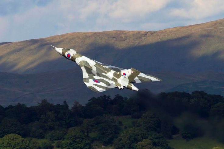 XH558 climbing away from the Windermere Air Festival #LakeDistrict #Cumbria #VTTST —