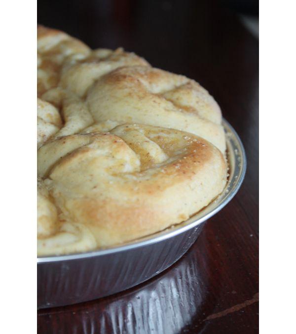 Torta di rose all'arancio con crema di mele alla cannella e chiodi di garofano