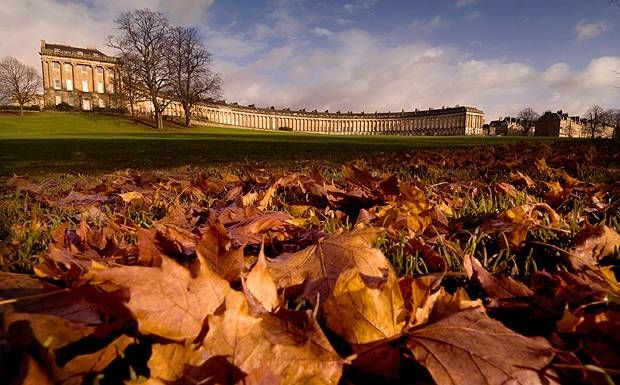 The best hotels in Bath chosen by our expert, including luxury hotels and cheap hotels and the city's best b&bs. Read the reviews and book them here at the lowest prices.