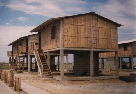 Bamboo Hut On Stilts Wins Climate Adaptation Award, Helping Ecuadorian Coastal Dwellers : TreeHugger