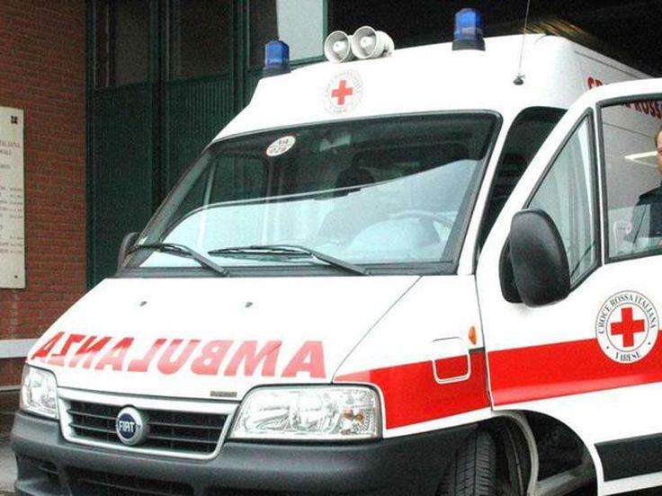 SALERNO - Tragedia a Pagani. Una madre ha rinchiuso la figlia vent'enne fuori al balcone e si è suicidata. Secondo una prima