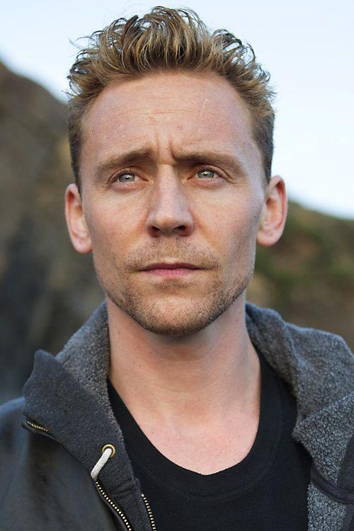 Tom Hiddleston as Jonathan Pine in The Night Manager ( Promotional episode photos - Episode 2) . Full size image: http://ww1.sinaimg.cn/large/6e14d388gw1f19ctnujpkj22rz1ujdu4.jpg Source: http://images.spoilertv.com/The%20Night%20Manager/Season%201/Promotional%20Episode%20Photos/Episode%202/ Via Torrilla