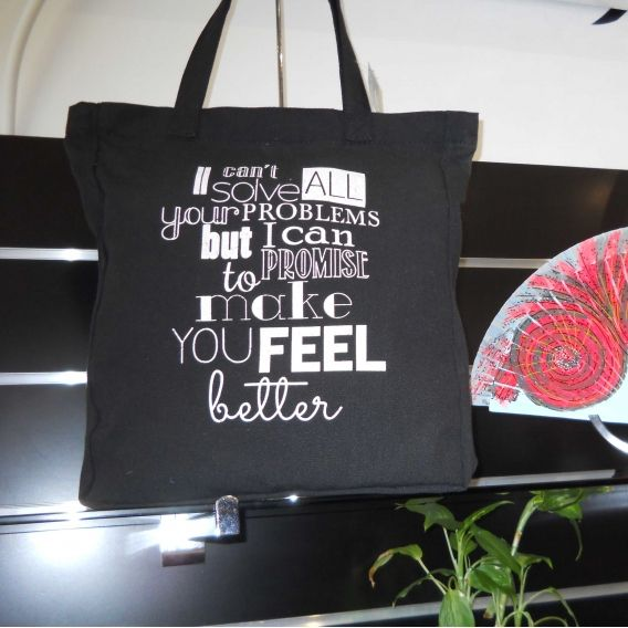 http://bisuteriademoda.es/bolsos-de-moda-online-baratos-para-mujer/3358-bolsa-de-playa-de-tela-en-color-negro.html