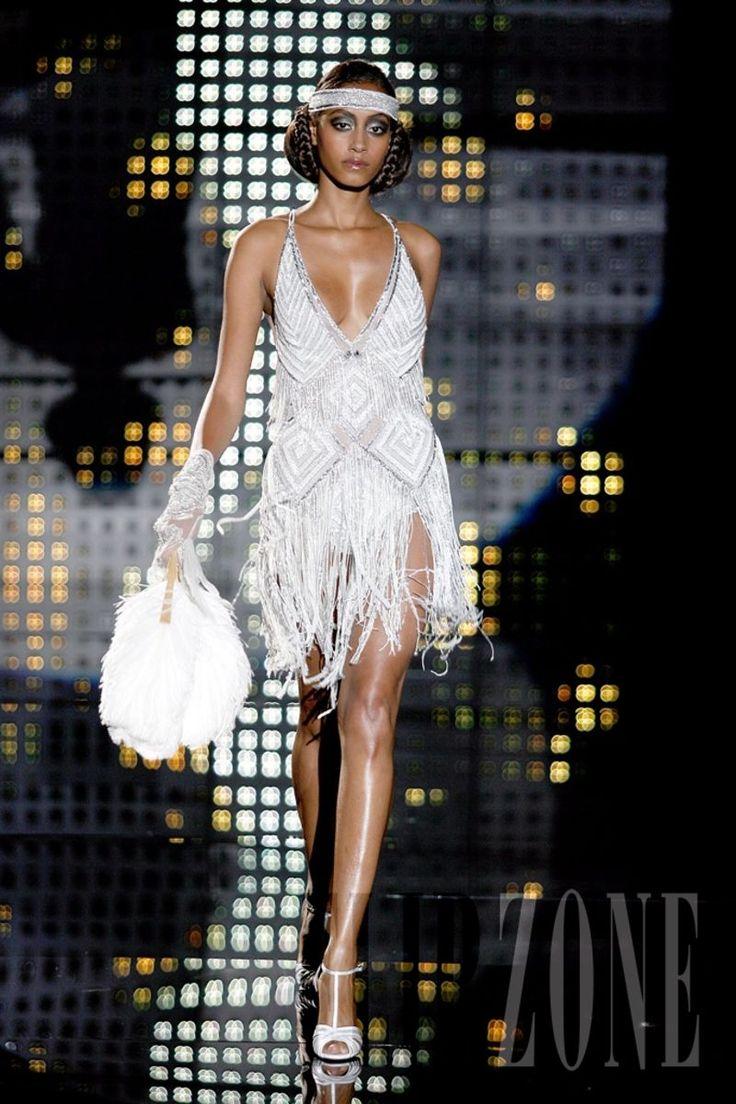 Zuhair Murad - Couture - Fall-winter 2006-2007 - http://www.flip-zone.net/fashion/couture-1/fashion-houses/zuhair-murad,5