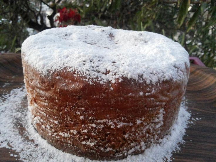 Ένα gourmet αρωματισμένο τσουρέκι με γλασαρισμένα φρούτα......επίσης ιδανικό για πρωινό η σνάκ, είναι το Ιταλικό panettone.  Αυτό το αφρά...