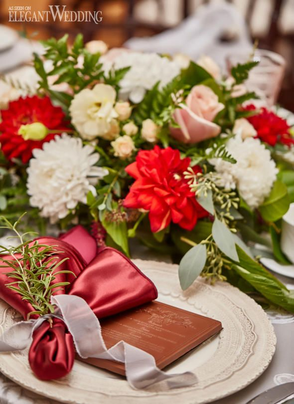 Bright Red Wedding Flowers, Red Wedding Centrepieces, Fall Wedding Ideas #fallwedding #weddingideas #placesetting
