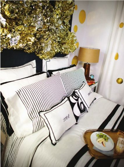 61 best images about bedrooms on pinterest guest rooms kate spade bedding and luxury bedding. Black Bedroom Furniture Sets. Home Design Ideas
