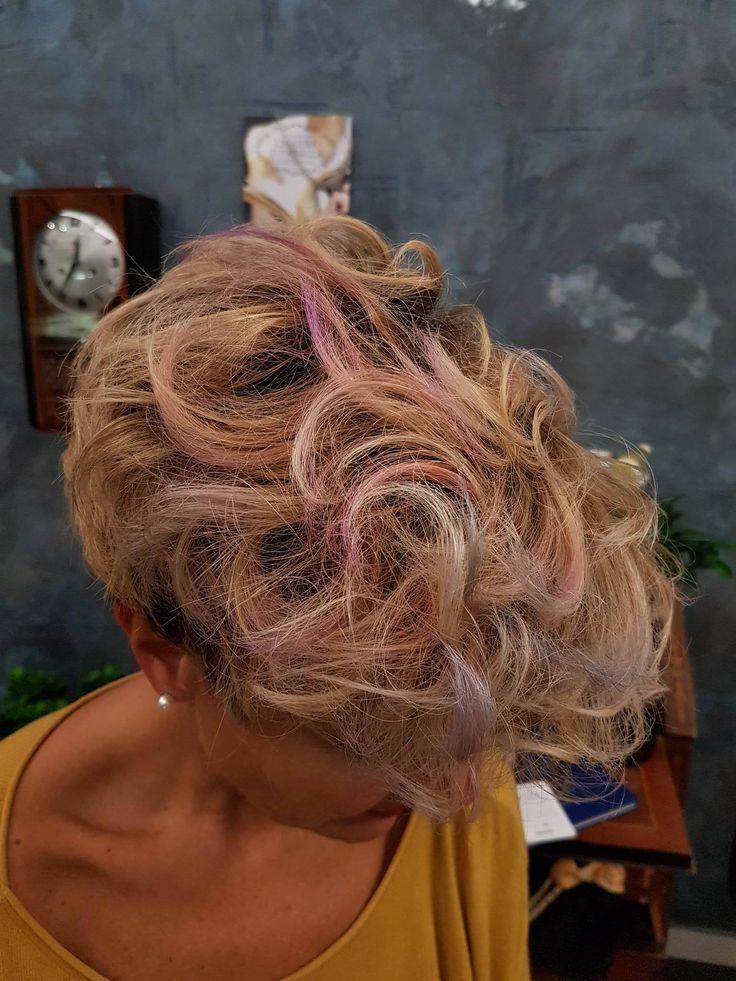 Nuovo Look per la nostra amica Marilena! una donna strong con una grande classe! #degradè #tagliopuntearia #fashion #hairstyle #color #wella #davines #lookliveparruchierafranca #susteineblebeautypartner #viadeimirti29 #ragusa