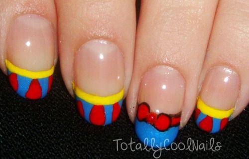 Snow white nails @Katie Hrubec Schmeltzer Schmeltzer Schmeltzer Glick these would be perfect for princess runs!