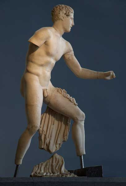 Pedimental decoration: Statue of Theseus / Battles and Warriors / Route by subject - Centrale Montemartini