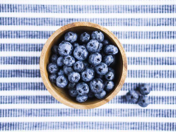 Last Week's Nutrition News Feed: Blueberries Fruit