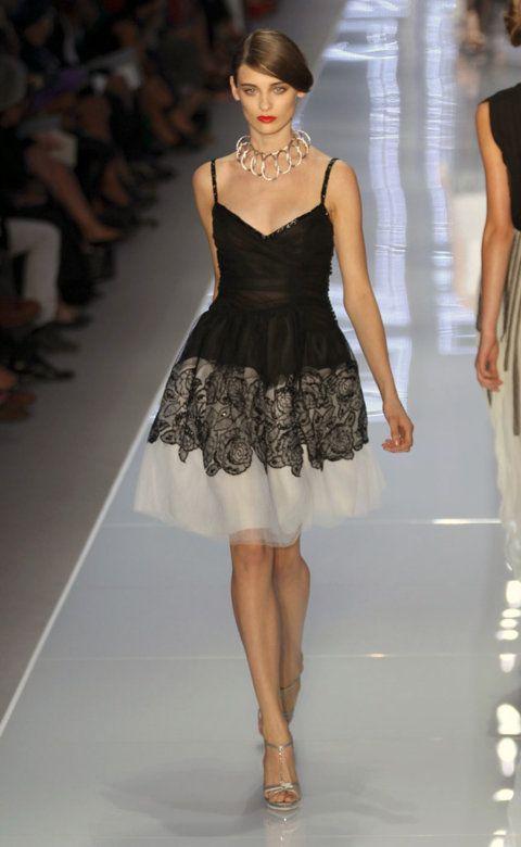 Desfile de Christian Dior. París. Resumen de las mejores pasarelas de la temporada primavera-verano con fotos. vídeos, Front Row, StreetStyle 2012. Primavera-verano.