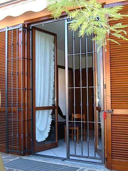 Inferriate di sicurezza Reggio Emilia Mantova – grate di sicurezza per finestre e porte finestre - www.serrmetal.it