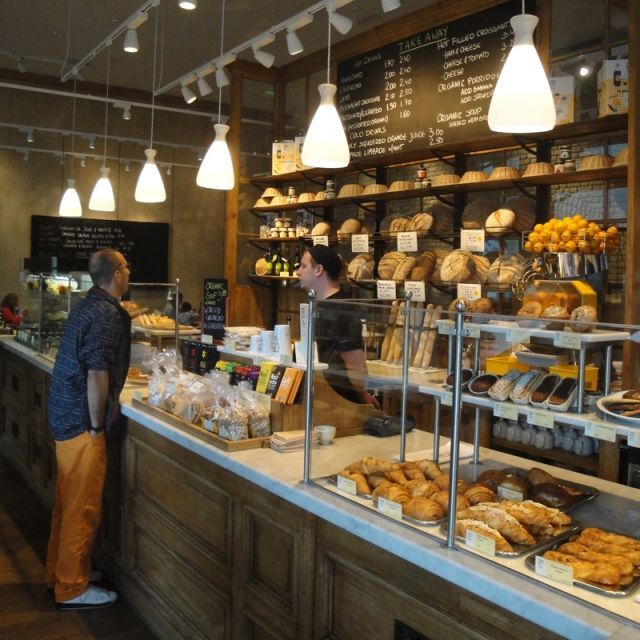Le Pain Quotidien: Westfield (Shepards Bush, London) | Skinflint Design How fun it would be to roll out of bed & walk here for breakfast.: