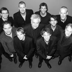 In 2011 heeft Martin Kuijper een serie portretten gemaakt voor het project His Master's Choice van het Clazz Ensemble. Drie meestercomponisten stonden centraal; Louis Andriessen, Jacob ter Veldhuis en Frank Carlberg. Het beeld van het project was een variatie op het bekende beeldmerk van EMI, het hondje met de platenspeler. Het Clazz Ensemble koos voor een grommend hondje, vandaar ook de gemeen kijkende musici. Het Clazz Ensemble opereert op het snijvlak van klassieke en jazzmuziek