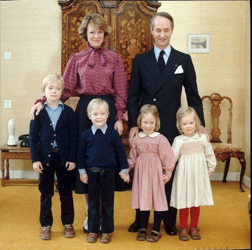carolathhabsburg: The Duke and Duchess of Parma and their kids Prince Carlos (actual Duke of Parma), Prince Jaime, Count of Bardi, his twin sister Pss Margarita, Countess of Colonto and little princess Carolina, Marchioness of Sala. C 1976