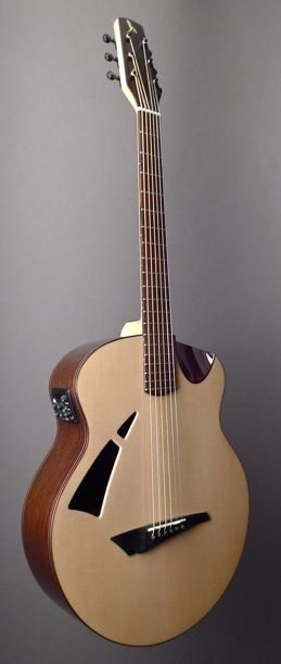 AVIAN Skylark (Indian Rosewood) Indian Rosewood and Sitka Spruce | Dream Guitars