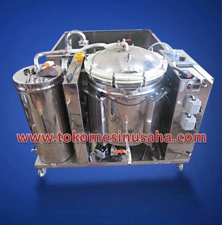 Mesin Evaporator Vacuum       Kapasitas        : 25 Kg/ proses     Daya                : Dinamo listrik 1 Hp + 1/4 Hp     Putaran           : 40 Rpm     Suhu                : 60° C     Dimensi          : 122 x 60 x 120 cm     Bahan             : Stainless steel