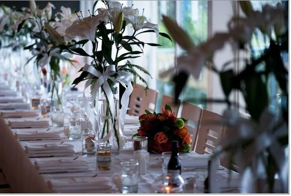 Long table, lush leaves!
