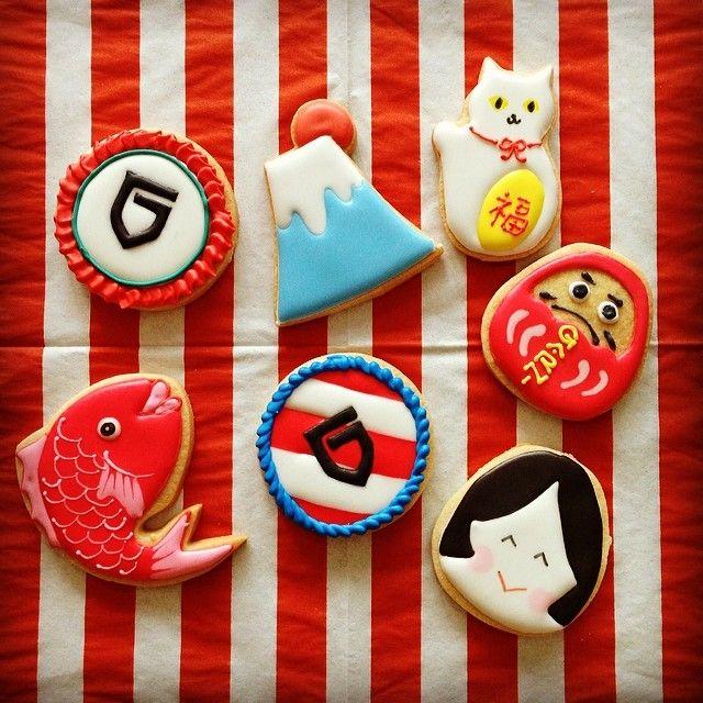 2/22にオープンしたGARNI osaka レセプションパーティ用にアイシングクッキーを作成しました。 おめでたモチーフ&大阪なので派手めにということで、真ん中のロゴのは食いだおれ人形カラーでございます。 http://www.garni.co.jp/sp/index.html