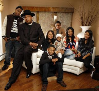 How Many Kids Does Rev Run Have?  Darian Valerie Vaughn's daughter was seen on a recent episode of Growing Up Hip Hop. Her and Vanessa meet up with Angela and all the emotions come out. Angela has been neglecting her siblings and her sisters call her out. Angela is going through a lot. She recently had a baby but she's not getting married to her baby father.  If you've been keeping up with Growing Up Hip Hopyou're most likely asking yourself: How many kids does Rev Run have? Rev Run has six…