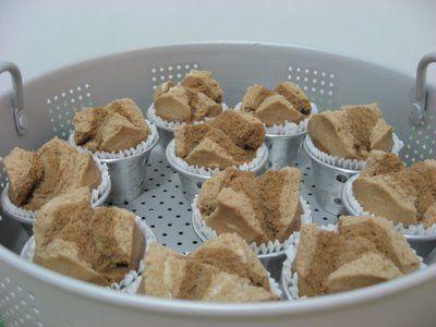 Indonesian steam cup cake / Bolu kukus