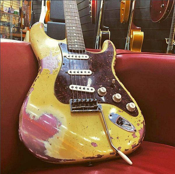 Fender Custom Shop 62 Stratocaster Olympic white over Burgundy Mist heavy relic