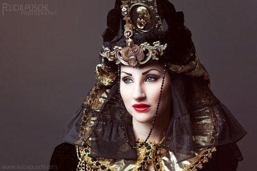 My Black Queen being used as false advertisement by several makeup artists in Russia..  Anastasia Zakharova | VK