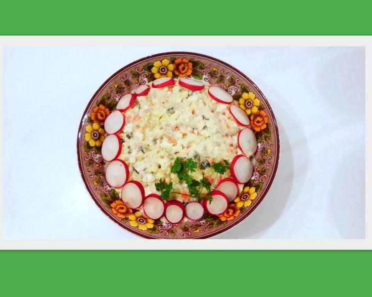 Sałatka warzywna z wegańskim majonezem
