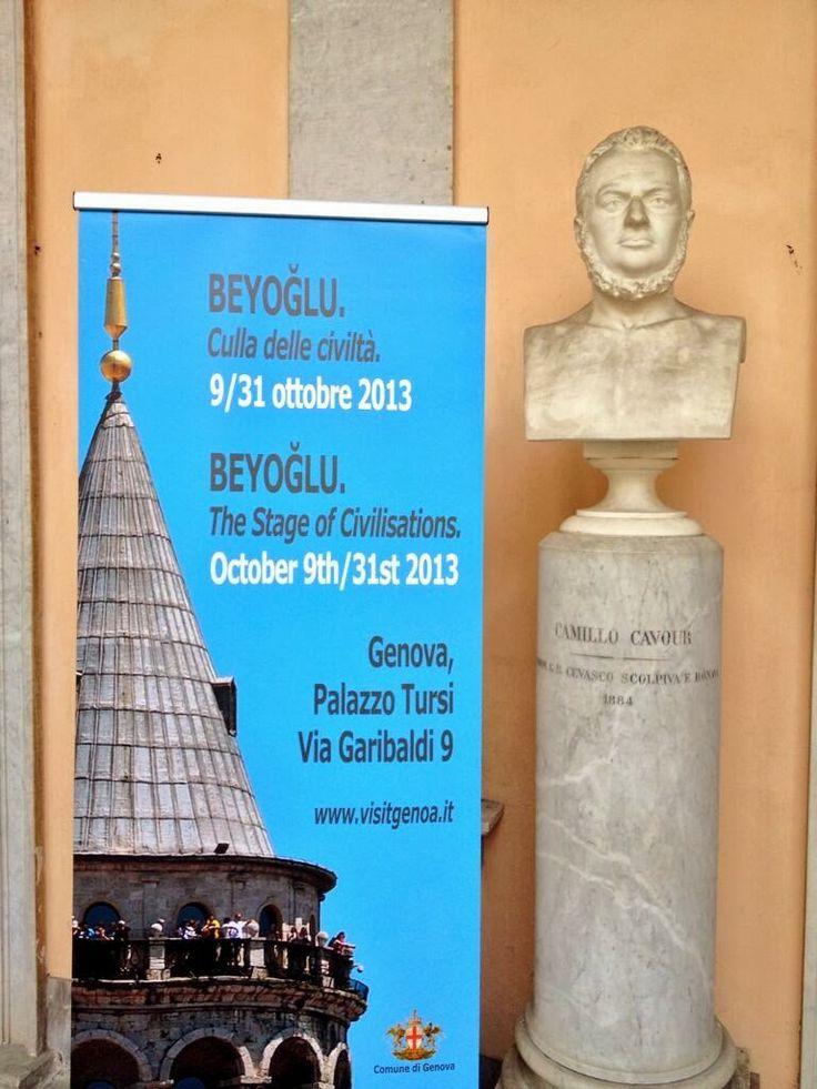 1863 yılında Beyoğlu'nda, Genova'nın yetiştirdiği büyük isimlerden biri olan Giuseppe Mazzini'nin onursal başkanlığında kurulan derneğimiz 150 yıl sonra yine Genova ile Beyoğlu yine tarihi bir anda bir araya geldi.