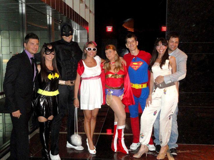 E come ti vuoi vestire a un matrimonio a Las vegas.. da supereroi ovviamente!