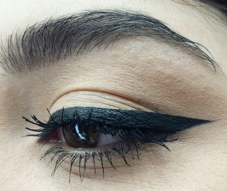 Black Eye liner <3