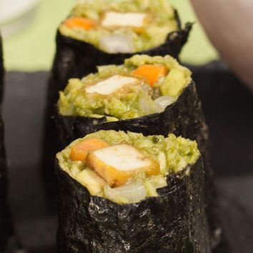 Exklusives Rezept: Low-Carb-Maki-Sushi mit Matcha-Wasabi-amicella