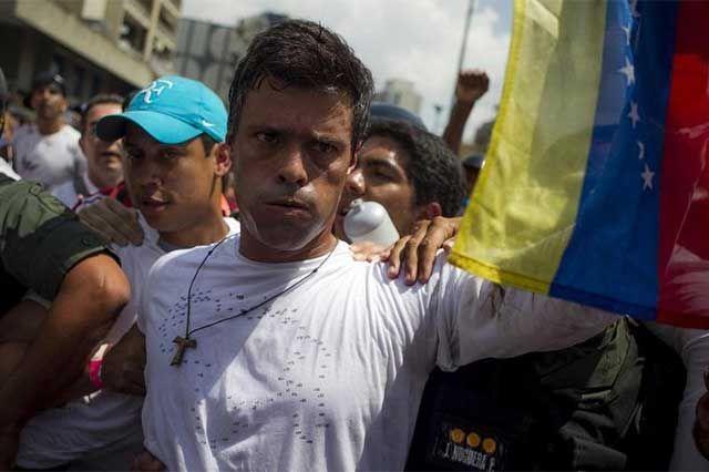 m.e-consulta.com | Condenan a 13 años de prisión a opositor del gobierno de Maduro | Periódico Digital de Noticias de Puebla | México 2015