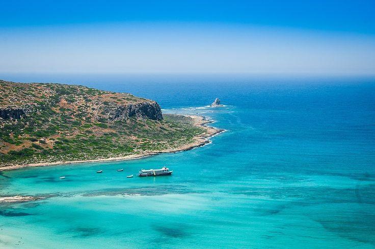 Barcos de alquiler en Grecia. En Surcando Mares podrás alquilar una embarcación para visitar las islas griegas. Visita Grecia a través del mar y sus islas.
