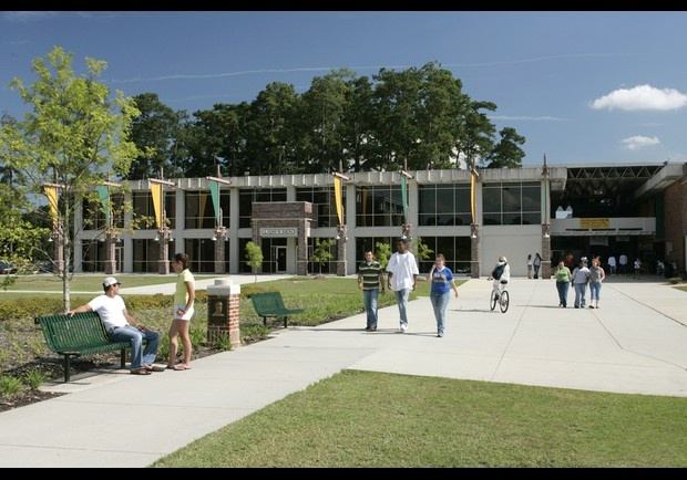 Southeastern louisiana university favorite places - Southeastern college pasay swimming pool ...