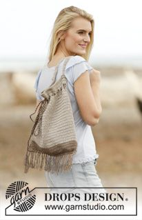 """Day Out - Crochet DROPS bag with ties and fringes in """"Bomull-Lin"""" or """"Paris"""". - Free pattern by DROPS Design"""