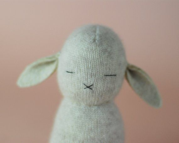 Cashmere Bunny I dont even know why this is so cute @Megan Ward Herndon