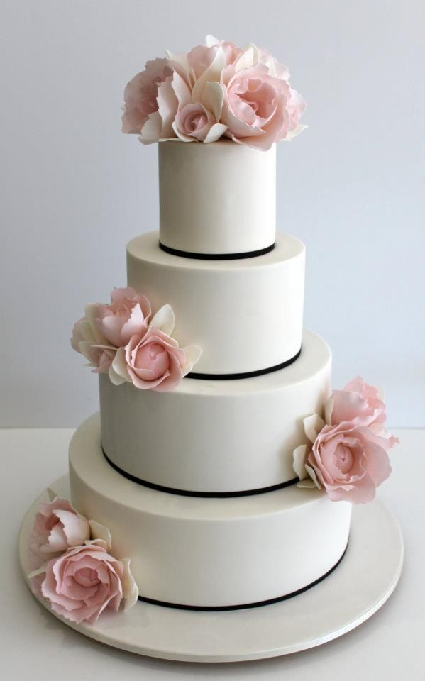 To see more beautifully designed wedding cakes: http://www.modwedding.com/2014/11/11/prettiness-exquisite-wedding-cakes-faye-cahill-cake/  #wedding #weddings #wedding_cake cake: Faye Cahill Cake