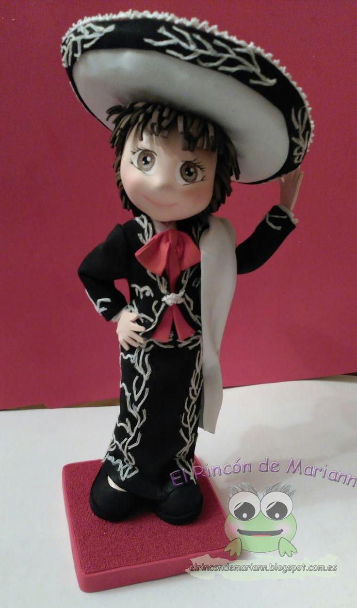 Hola de nuevo,   Os dejo unas imágenes de una fofucha mariachi que hice hace ya algunos meses, tengo tan poco tiempo que me cuesta actualiza...