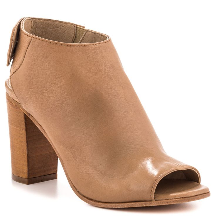 Slaater - Natural Le Steven by Steve Madden $159.99