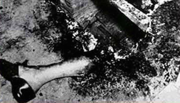 Murder scene photos typically help investigators put together the pieces surrounding a death, but what St. Petersburg, Florida cops snapped in 1951 has baffled us for over half a century. The death scene of Mary Reeser was a grim and bizarre one – the woman's entire body had been engulfed by flame in her armchair, consuming everything but her left foot, which was intact. The intense heat had actually shrunken her skull, but bizarrely nothing else in the room was touched. The pictures baffle…