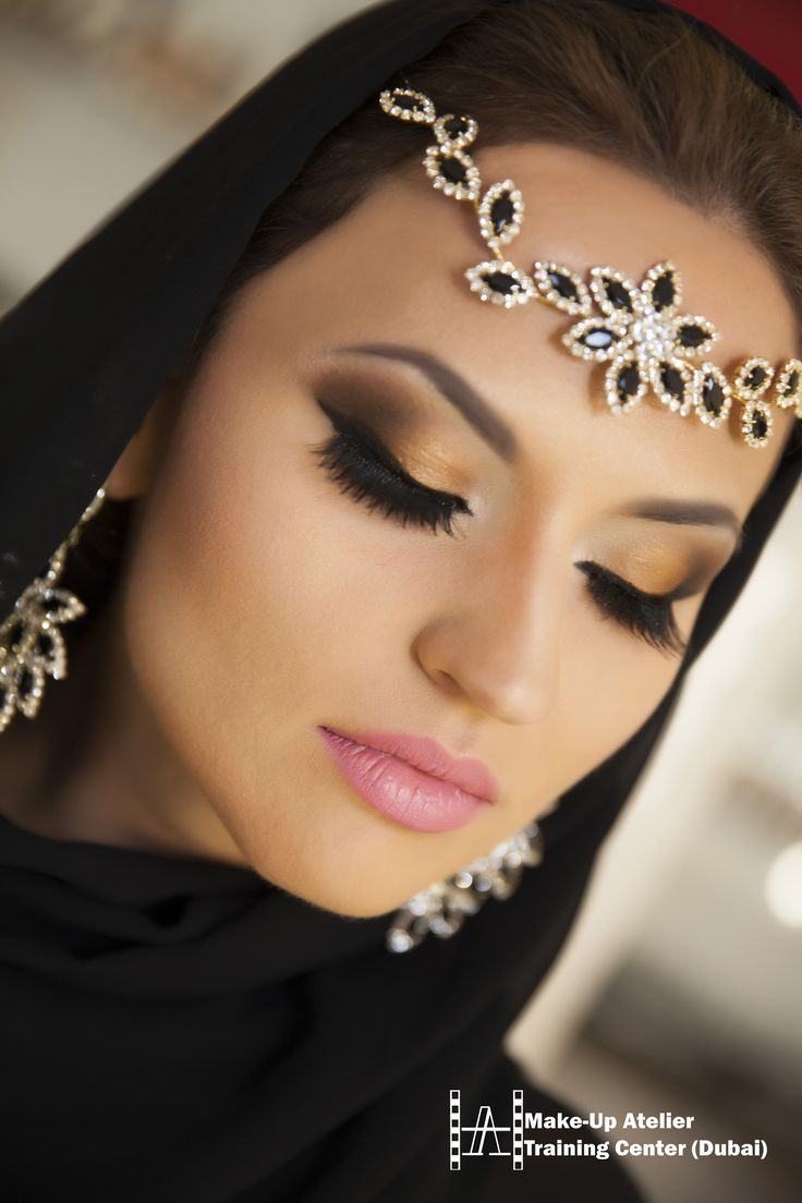 http://www.make-up.ae/courses/arabic-make-up-course/ #makeup #arabic #eyes #courses #dubai