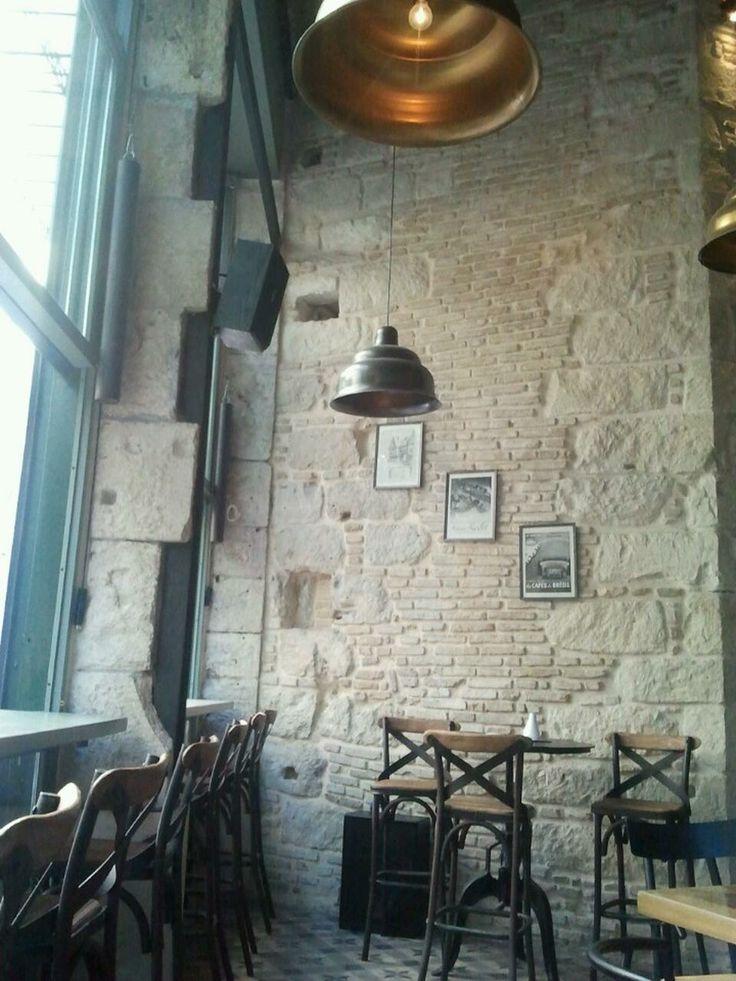 Sq. - Cafe, Bar & Food